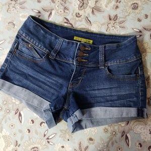 YMI Wanna Betta Butt Jean Shorts EUC